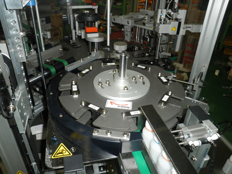 Star wheel device for bottle supply